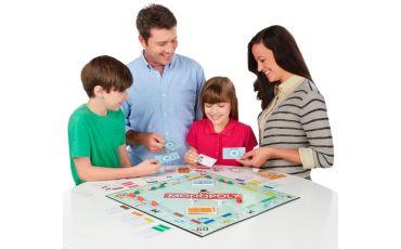 Почему стоит играть с детьми в настольные игры?
